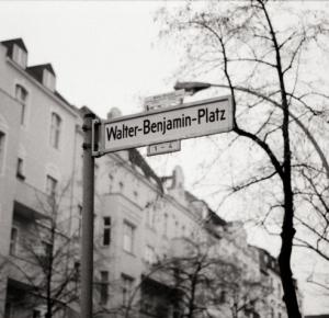 Walter Benjamin Platz - sign