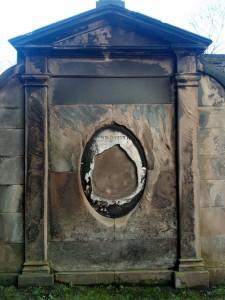 Gravestone, decay, erosion