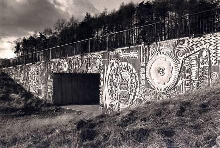 David-Harding,-Public-Art-for-Glenrothes,-1970s,-photograph-by-Peter-Goldsmith-(2)_444_300_70